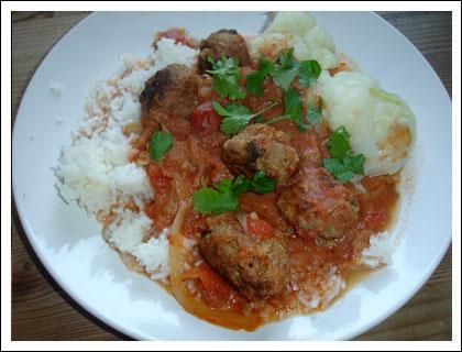 indiska köttbullar i tomatsås